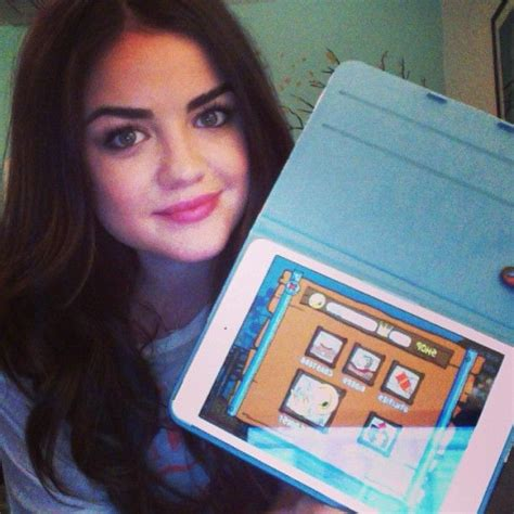 Lucy Hale played with her ipad | Lucy hale, Pretty little
