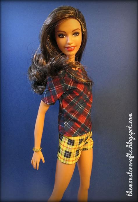 Monster Crafts: Doll Review: Barbie Fashionistas Tall