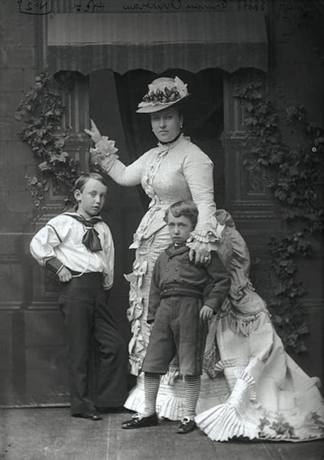 12 Victorian Baby Names That No One Has Anymore