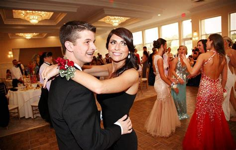 Rockland teen attends prom with Jenny Dell - News - Wicked