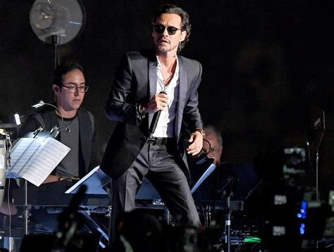 Marc Anthony Returns To Stage Says After Mother's Death