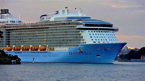 Ovation of the Seas - current position - track live & in