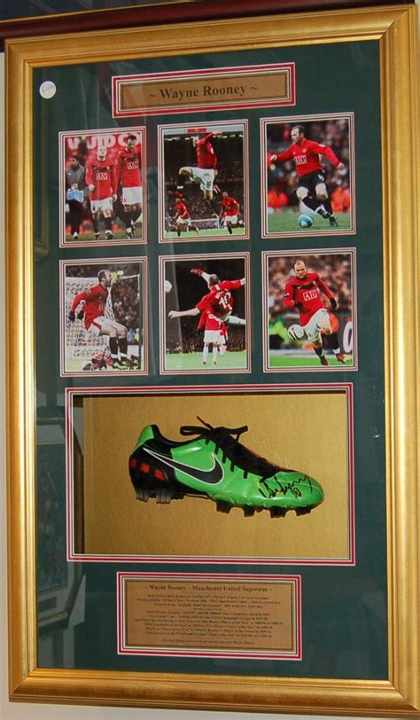 Memorabilia Framing - Cricket bats Boxing Gloves and other