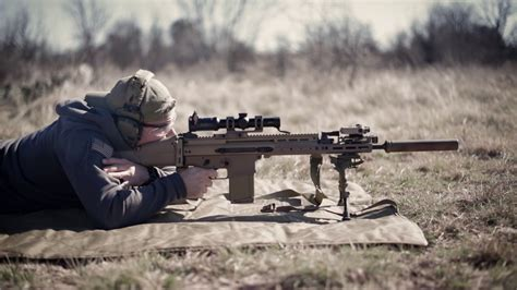 FN SCAR 17 Suppressed - YouTube