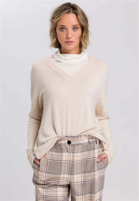 Sweaters two-in-one style | Knitwear | Fashion